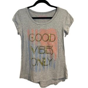 Good Vibes Only Tee size S
